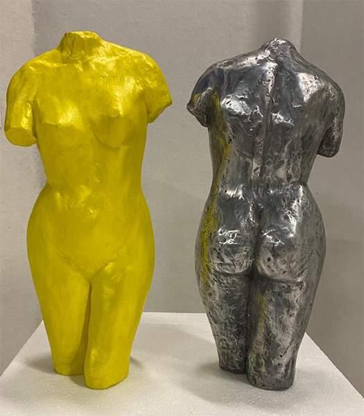 Busti giallo e grigio