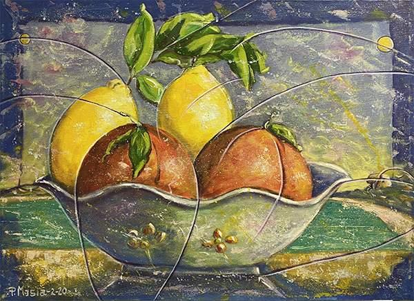 Una torta con limoni